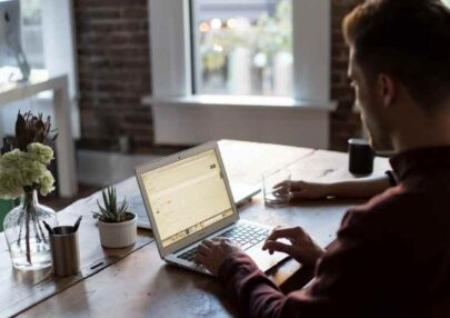 7 قواعد ذهبية لاستضافة ندوة عبر الإنترنت Webinar