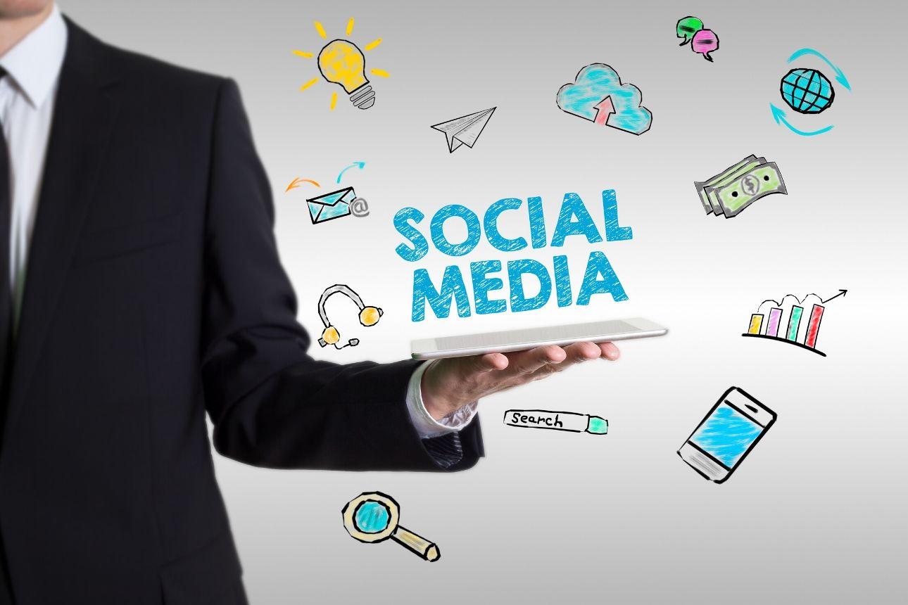 إلى مديري وسائل التواصل الاجتماعي: 5 عادات تصنع نجاحك في 2020