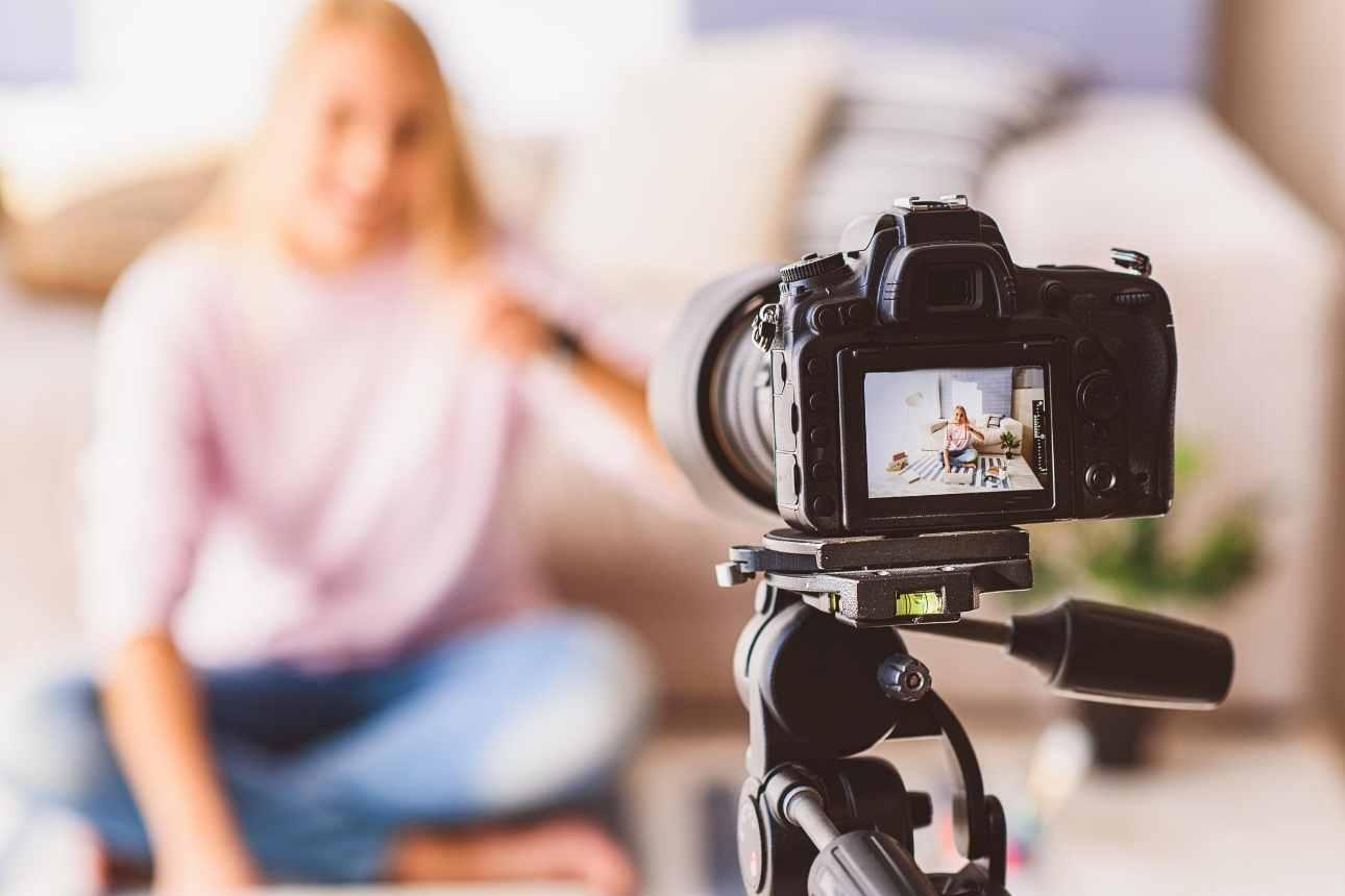 دليلك لصناعة فيديو احترافي مجانًا.. كيف تصنع فيديو لتسويق منتجاتك؟