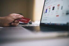 أهم مواقع التسوق الإلكتروني في يوم الجمعة السوداء/ البيضاء